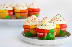 Why Hire Taxi Service to Enjoy Cupcake Day Holiday - Transfers 4U - Cambridge Airport taxi UK Transfer